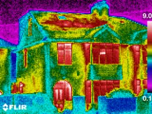 Thermography house heat loss